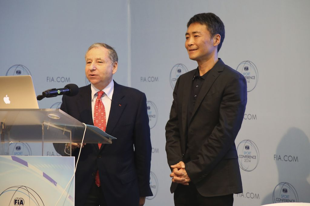 Before announcing the start of the Motorex conference hosted by the FIA, its chairman Jean Todt made a special announcement regarding a partnership with Gran Turismo, and introduced Kazunori Yamauchi.