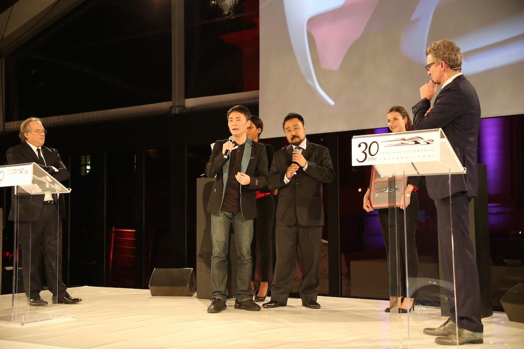 Yamauchi san giving his award speech