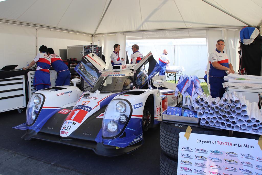 ル・マン24時間レースを戦い終えたばかりのトヨタTS040。